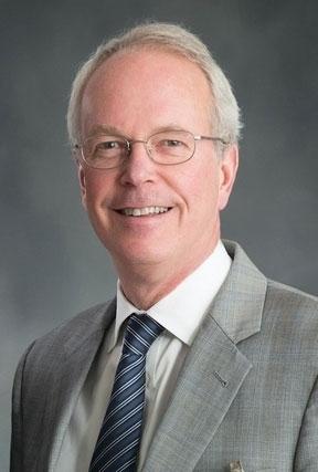 Rush hospital president to retire