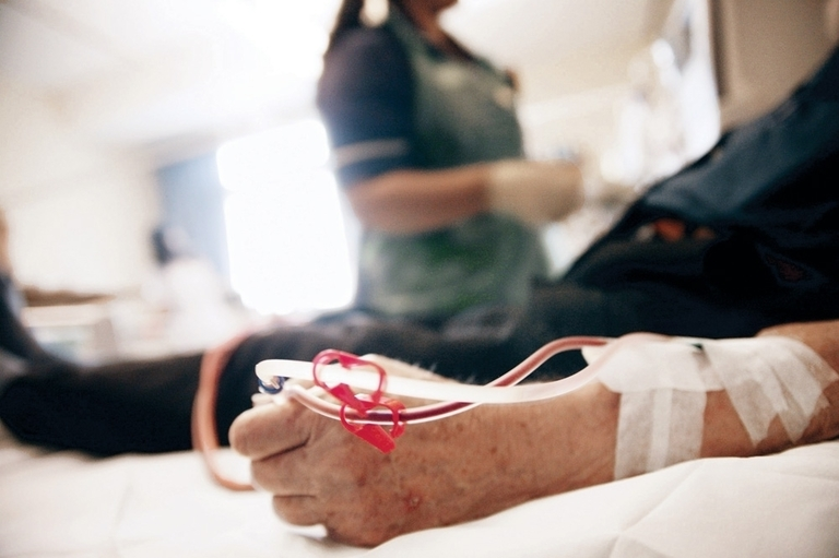 Dialysis companies to feel squeeze from Calif. reimbursement bill