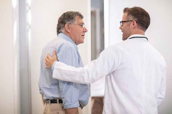 Some family doctors ditch insurance for simpler approach