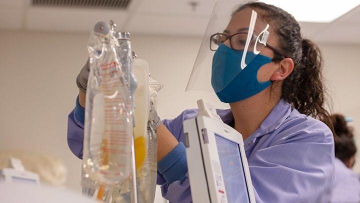Dozens of U.S. hospitals poised to defy FDA's directive on COVID plasma