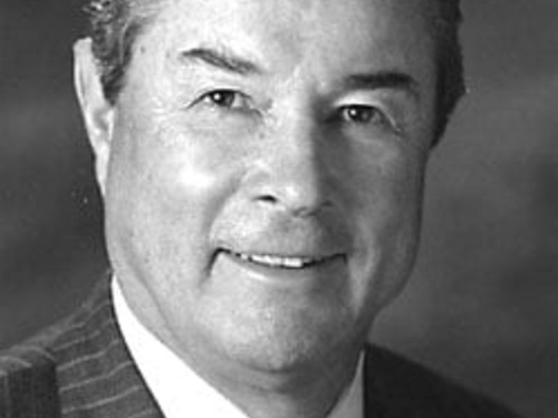 Vernon Loucks, Honoree in the Hall of Fame, dies at 87