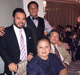 Pilar Palacios Pe with her family