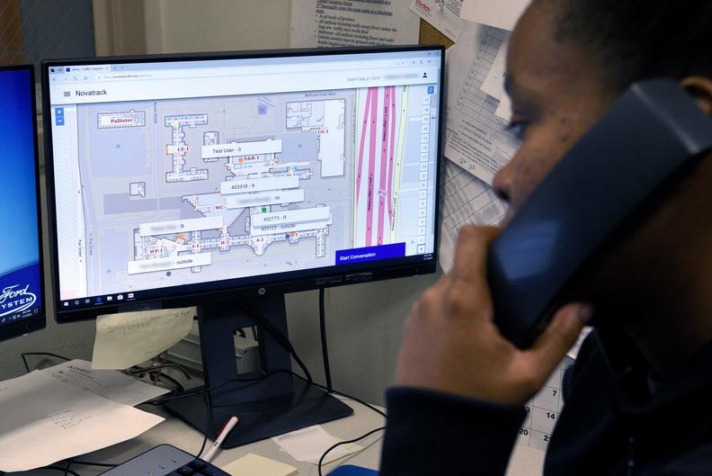 Dispatcher at Henry Ford Hospital using Novatrack's indoor tracking system.